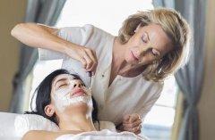 美容院顾客想体验又觉得贵,又不开卡怎么办?